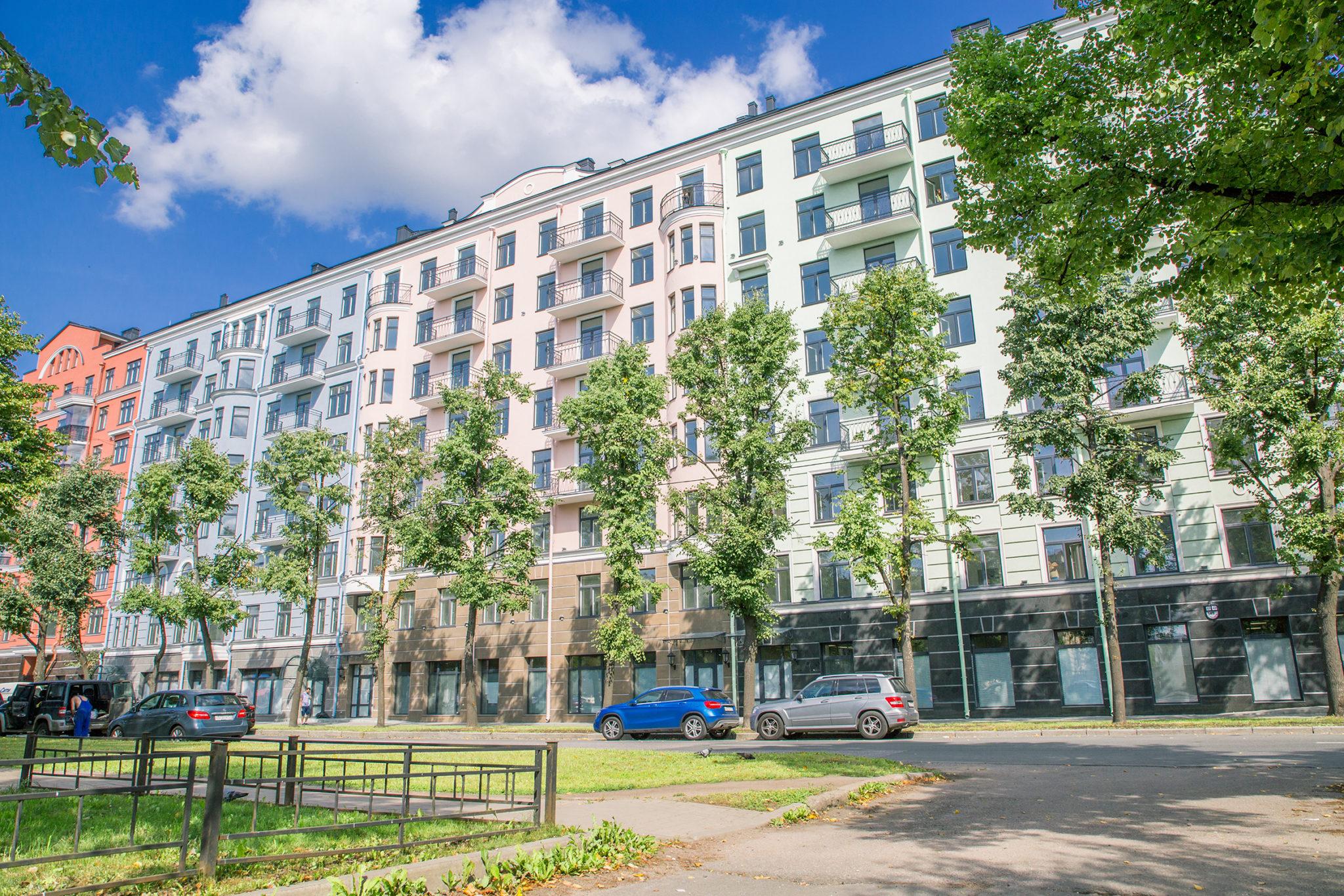 """Första invånare flyttar in till sina nya lägenheter i bostadskomplex """"Dve Epohi"""" på Vasilijön i Sankt Petersburg"""
